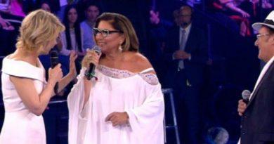 Maria Al Bano Romina 390x205 - Albano e Romina Power lanciano una bordata contro Barbara D'Urso e Maria De Filippi ci mette il carico...Ecco il video