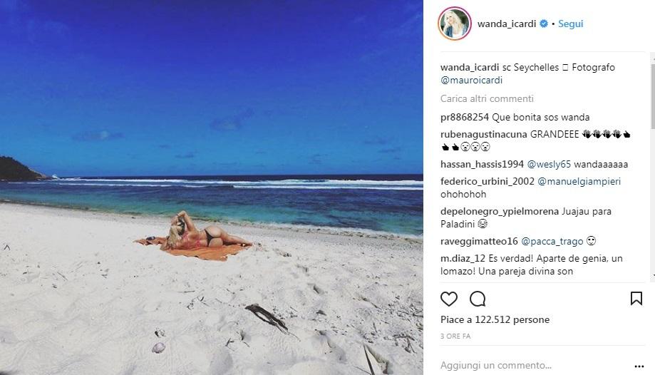 550x315xwandaP20naraP20latoP20b 07163616.jpg.pagespeed.ic .V2daDQoJKE - Wanda Nara  alle Seychelles, pubblica un video dal bagno della sua camera e si mostra con un fisico mozzafiato (VIDEO e FOTO)