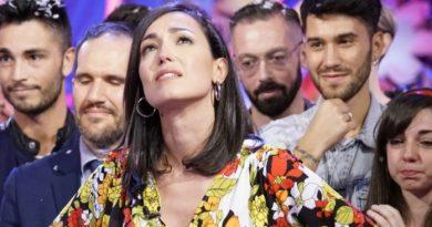 """Caterina Balivo Detto Fatto 390x205 - Caterina Balivo lascia """"Detto Fatto"""" e scoppia in lacrime (FOTO e VIDEO)"""