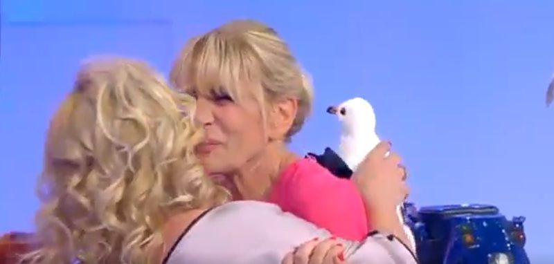 gemma tina 800x382 - Uomini e donne: oggi nell'ultima puntata Tina e Gemma fanno pace (VIDEO)
