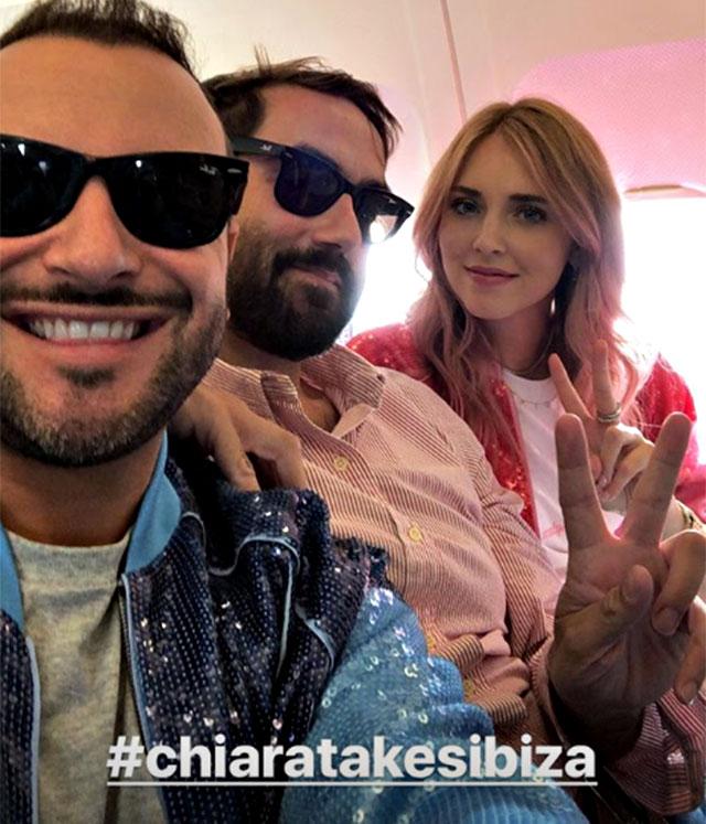 1531471935 ferragni addio al nubilato 2 - Chiara Ferragni cambia look per l'addio al nubilato a Ibiza. La fashion blogger ha tinto i capelli di rosa (FOTO)