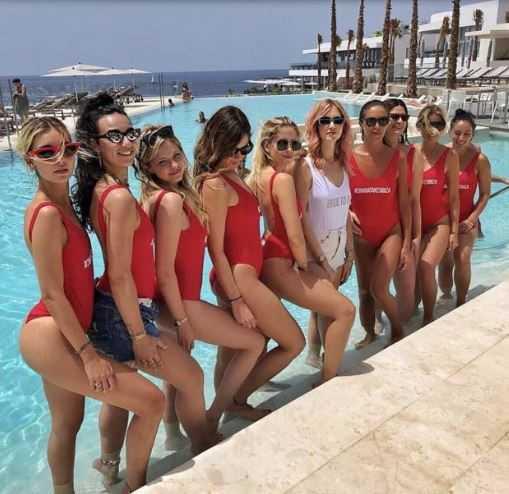 Chiara-Ferragni-Ibiza-Amiche