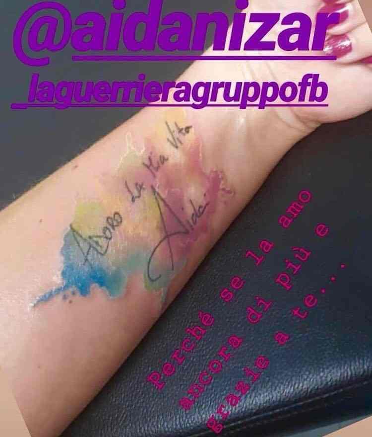aida-nizar-fan-tatoo-tatuaggio-adoro-la-mia-vita