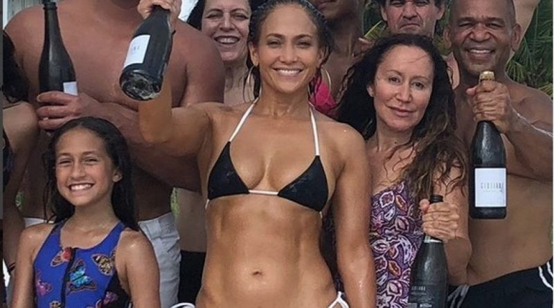 Alex-Rodriguez-marc-anthony-jennifer-lopez-compleanno-birthday-bikini