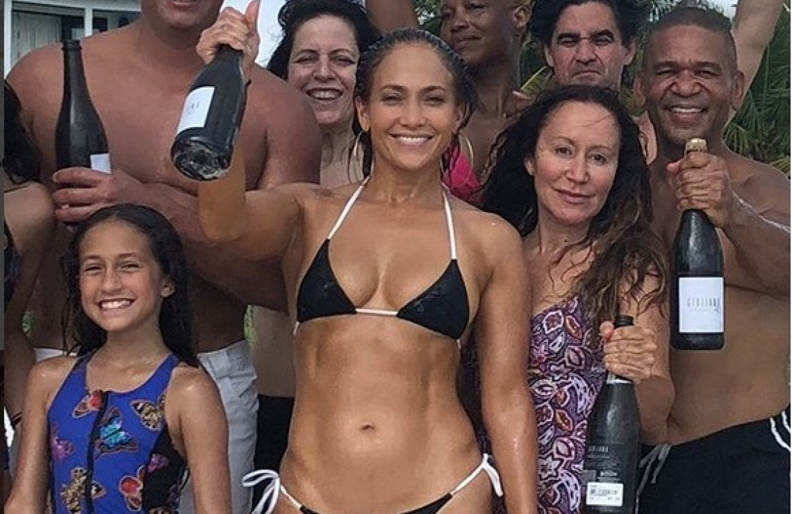 Alex-Rodriguez-marc-anthony-jennifer-lopez-compleanno-birthday-bikini
