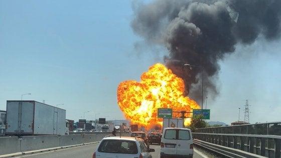 Bologna-tir-esploso-incendio-feriti-morto