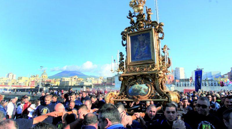 MADONNA-DELLA-NEVE-processione