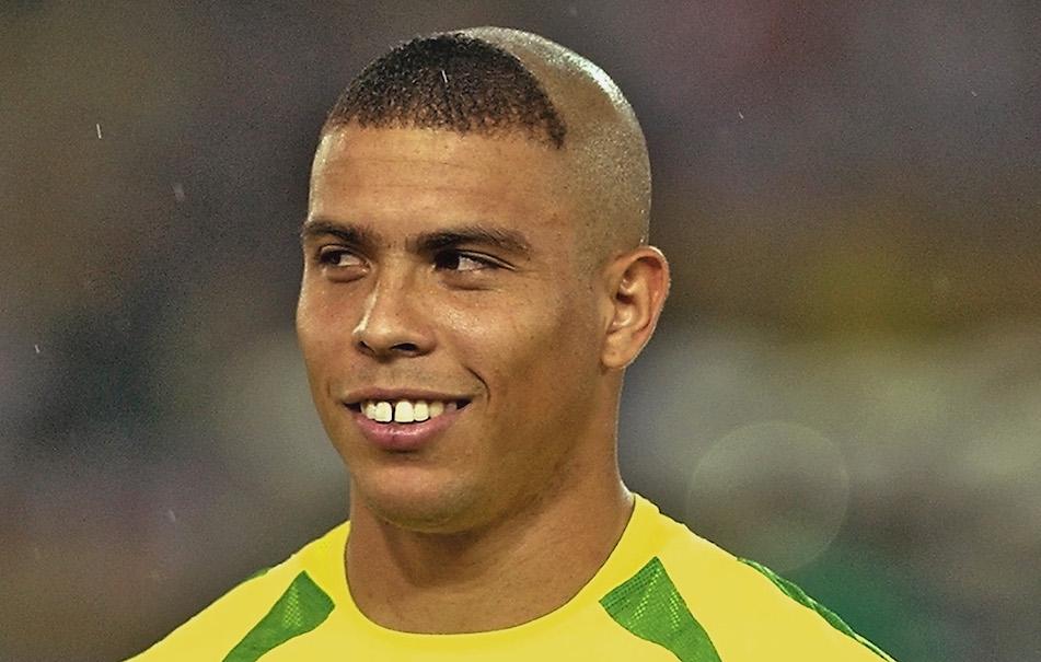 ronaldo-fenomeno-calcio-giocatore