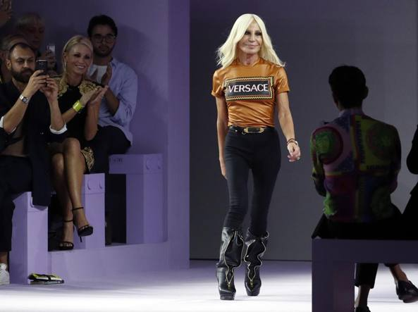donatella-versace-vende-michael-kors-mfw2018-milano-fashion-week